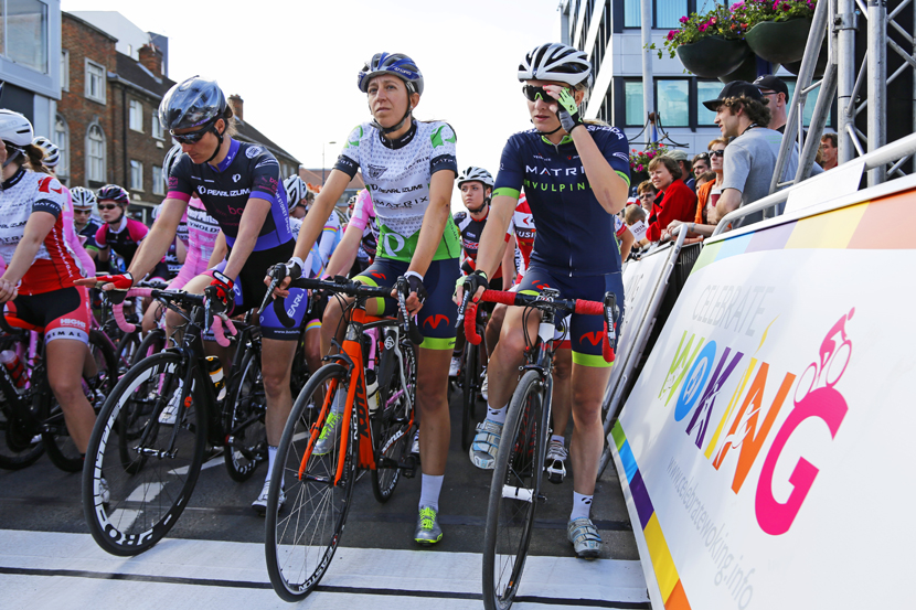 Sarah Storey, Helen Wyman and Sara Olsson line up at the start.